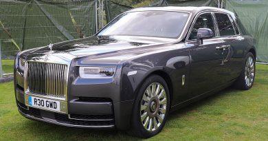 Rolls Royce Ultra Luxury Image